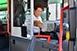 Autóbuszt vezetne? Ha nincs meg a képesítése, a megszerzését is támogatják