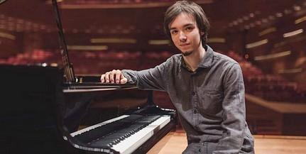 Óriási siker: a pécsi zongorista, Balogh Ádám második lett a Bartók Világversenyen