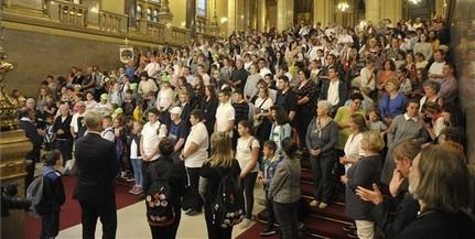 Hatszáz gyermek imádkozott a Hazáért az Országházban