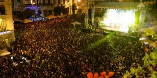Már dübörög a Pécsi Napok: pénteken este Caramel, szombaton Pápai Joci koncertezik