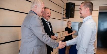 Kiváló diákokat, Mestertanár aranyérmet elnyert oktatókat köszöntöttek a PTE-n