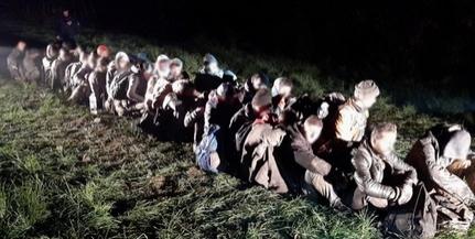 Harminckilenc migránst fogtak el a határvédők éjjel Kislippó térségében