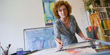 Melegh Andrea a természetből nyer inspirációt a szívből, lélekből való selyemfestéshez