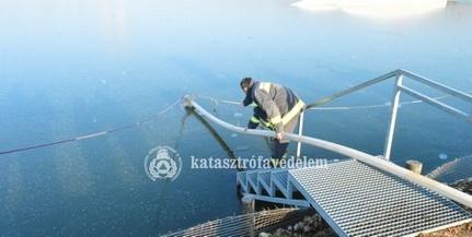 A jégről mentést gyakorolták a tűzoltók Pécsett