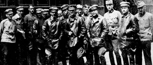 Nemzeti identitás versus bolsevikok - Folyik a kultúrharc, csapataink harcban állnak...