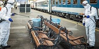 A Pécsre közlekedő kocsikat is fertőtleníti a MÁV