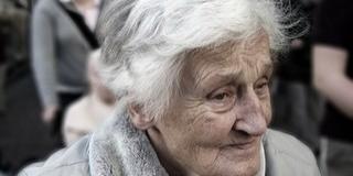 Péntektől házhoz szállítják Pécsett az időseknek a gyógyszereket, az élelmet - Ha kérik