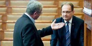 Csörte a kultúráról a T. Házban: Hoppál Péter alaposan helyre tette Gyurcsány Ferencet - Videó!