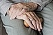 A pécsi önkéntes mentők is segítik az időseket