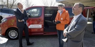 A mentők és segélyszervezetek segítésére tett felajánlást a Toyota