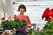 Czakó Anita, a pécsi növényorvos szerint a virágtermesztés nemcsak egy foglalkozás