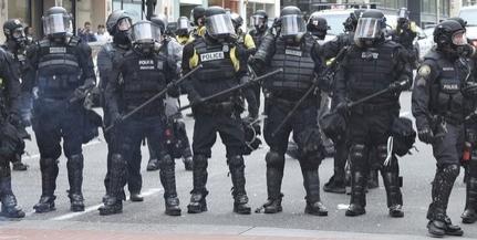 Nagy balhé volt Londonban, szélsőségesek csaptak össze