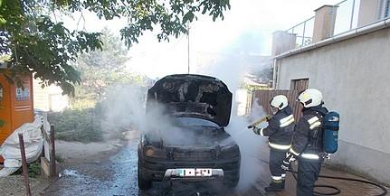 Lángolt egy autó Pécsett, a Mária-dűlőben