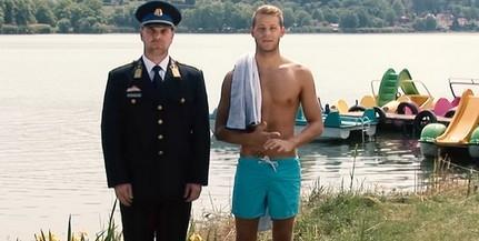A pécsi úszó, Kenderesi Tamás Gál Kristóffal ad tanácsokat a vízparti kiruccanásokhoz - Videó!