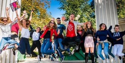 Csaknem ötezer új hallgató kezdheti meg tanulmányait a Pécsi Tudományegyetemen
