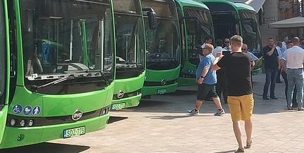 Megérkeztek az elektromos buszok Pécsre, hamarosan forgalomba áll a tíz jármű