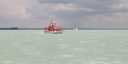 Harmincegy embernek segítettek partra jutni a Balatonon