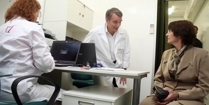 Az orvosok fizetésének megduplázásáról, a hálapénz betiltásáról tárgyal a kormány