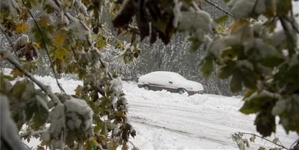 Hajnal óta folyamatosan hull a hó Kékestetőn