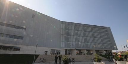 Kiállítással és online programokkal ünnepel a Tudásközpont