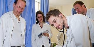 Nemzetközileg is egyre elismertebb a pécsi orvosképzés