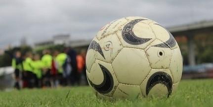 MLSZ: korlátozások mellett folytatódhat a futball