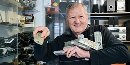 Schuber Miklós menti a menthető táviránytókat: pécsi műhelye párját ritkítja