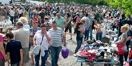 Vasárnap ismét a régi lesz a pécsi vásár: minden árus kipakolhatja a portékáját