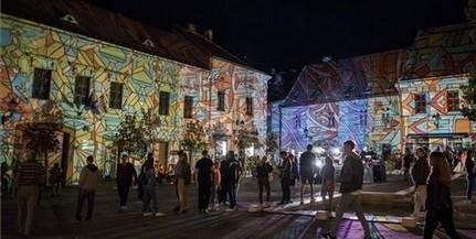A nyári fesztiválszezon helyett ősszel rendezik meg a Zsolnay Fényfesztivált