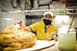 Huszonhat éve süti a pécsieknek a lángost a vásárcsarnokban Földesi Annamária