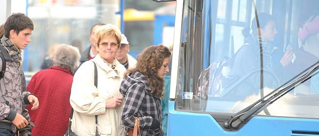 Hétfőtől megint változik a pécsi buszok menetrendje, aztán szerdán újra variálnak