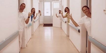 A fiatal pécsi rapper, Kevlár mutatja be a PTE rehabilitációs központját új videóklipjében