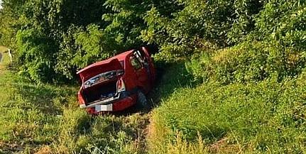 Felborult egy autó Martonfánál a hatos úton