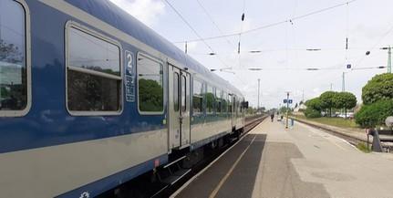 Mutatjuk, mennyi idő alatt juthatunk el Baranyából a Balatonra vonattal és busszal