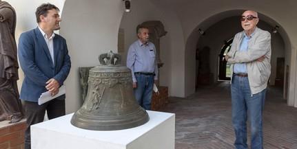 Pécsett öntött harangot kapott ajándékba a Janus Pannonius Múzeum
