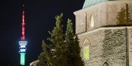 Azt kérik Pécs polgármesterétől, szerda este nemzeti színekben pompázzon a tv-torony