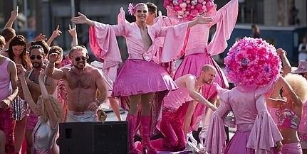 Nyílt provokációnak tekintik a homoszexuálisok pécsi felvonulását, közmeghallgatást követelnek