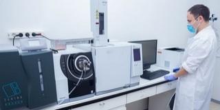 Gyógyíthatatlan betegségek ellen alkalmazható vegyületeket fejlesztettek a PTE vezetésével