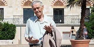 Ma is sokan felismerik a pécsi utcákon Leonárd Lajost, a legendás körzeti megbízottat
