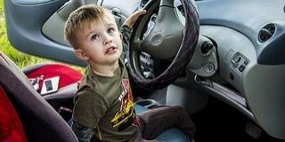 Továbbra is elérhető a nagycsaládosok autóvásárlási támogatása