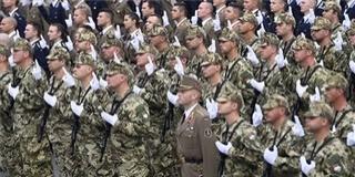 Erős Magyar Honvédség létrehozása a kormány célja