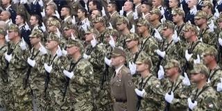 Magyar fegyvert kapnak a magyar honvédek