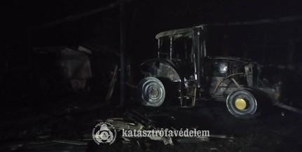 Kiégett egy raktár, s benne egy traktor is Baranyában