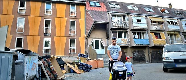 Benéztünk a hírhedt Lánc utcai tömbházakba, ahol állítólag már disznót is vágtak