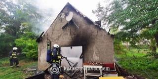Egy lángokban álló baranyai pincéhez riasztották a tűzoltókat