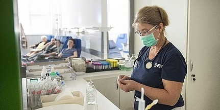 Ismét, ezúttal 21 százalékkal emelkedik az ápolók bére