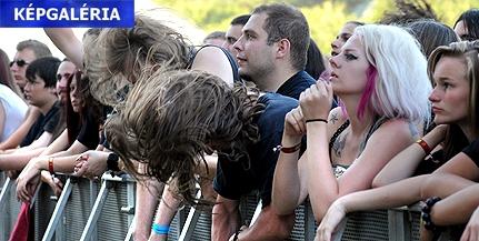Hőség és rock: 130 fellépő a Malomvölgyi Arborétumban