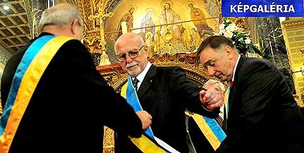 Romváry Ferencnek adták át hétfőn este a Tüke-Díjat - KÉPGALÉRIA