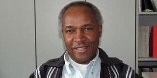 Pécsi Arcok: A mi Gazsi doktorunk Tanzániában a belügyminiszter fia