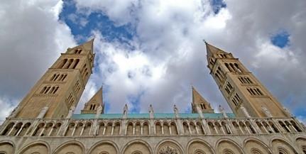 Kinevezéseket és felmentéseket rendelt el a pécsi megyéspüspök